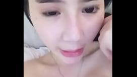Selfiebeautiful asian girl show...