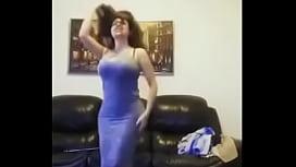Dance milf arab nice...