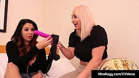 Lesbo Licker Nina Kayy...