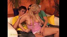 Young amateur bisex teens...