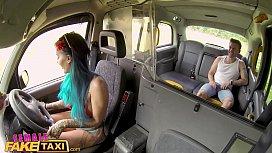 Female Fake Taxi Summer time fuck for passenger