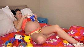 Pregnant Kristyna Fucks Her...