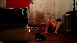 Laura haciendo Yoga y...