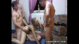 Amateur group sex: 2 chicks and 4 dicks ! xnxxx