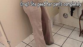 Sinn Sage wetting her...