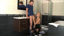 Hot wife publicsex...
