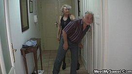 Man caught his girlfriend...