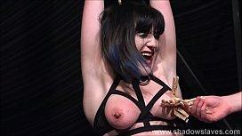 Tied amateur slave Louise...