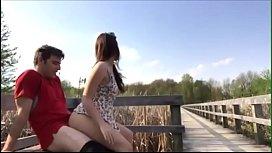 Novinha fazendo sexo com...