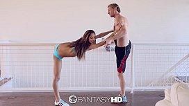 FantasyHD - Chloe Amours flexible...