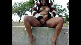 Mature ebony squirt...