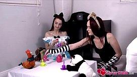 SisterCUMS.com: Loli Sister (Alice Coxx) &amp_ (Kat Hunter) Playing Dolls