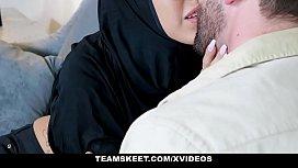 ExxxtraSmall - Teen Wearing Hijab...