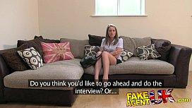 FakeAgentUK Sexy legs Brit...
