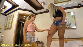 Giant Mature Girl Crushing...