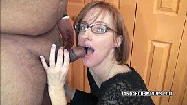 Horny housewife Layla Redd...