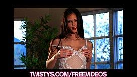 Beauty Tiffany Thompson rubs...
