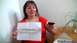 Gorgeous plumper seduces psychologist...