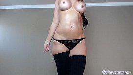 Hot Mature Twerking...