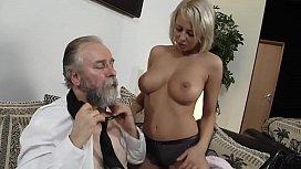 Russian pornstar Mandy Dee...
