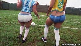 Big ass latinas playing...