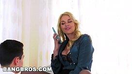 BANGBROS - MILF Sarah Vandella...