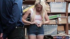 Teen blonde shoplifter suspect...