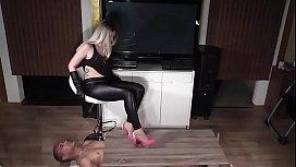 Lady Latisha hight heels...
