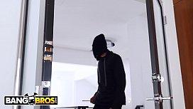 BANGBROS - Burglar With Big...