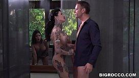 Big booty babes enjoy...