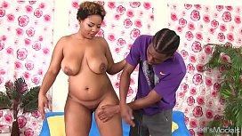 Full Figured Ebony Chick...