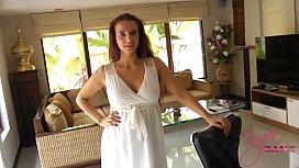 Im Brautkleid meiner Stiefschwester...