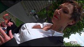 Carole mature veuve bais&eacute_e par deux jeunes