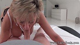 MILF Lady Sonia strip...