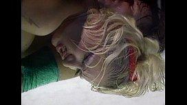 Metro - Blondes - scene 1...