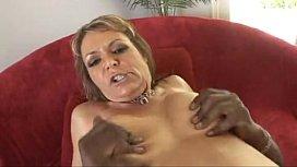 MILF Magnet - Kelly Leigh...