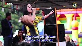 Indonesian Erotic Dance - Two...