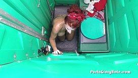 Porta Gloryhole Mature Redhead...