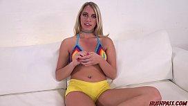 Sexy blonde Khloe Kari...