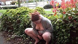 Outdoor peeing and public...