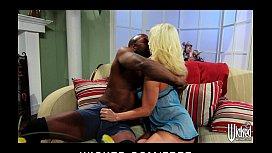 Interracial couple fuck eachothers...