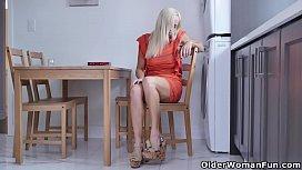 Canadian housewife Dani Dare...