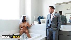 BANGBROS - Big Tits MILF...