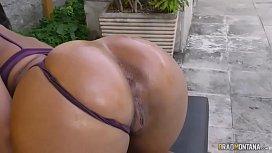 Novinha brasileira do rabo...