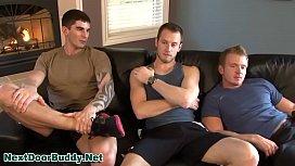 Trio de boys transando pra valer