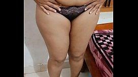 Horny plump Indian aunty...