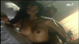 Karen Dejo caliente escena...