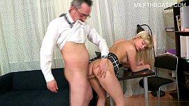 Busty pornstar home anal...