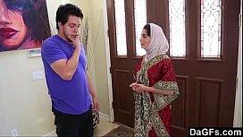 Dagfs Arabic Chick Nadia Ali Tastes White-240p wifecrazy blackmail