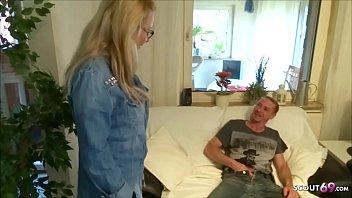 Nachbarin Erwischt Ihn Beim Porno Gucken Und Hilft Mit Fick German Mature thumbnail